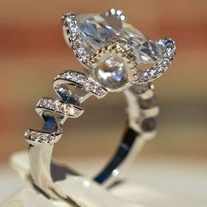 Exquisite  925 Sillver white Sapphire Ring New